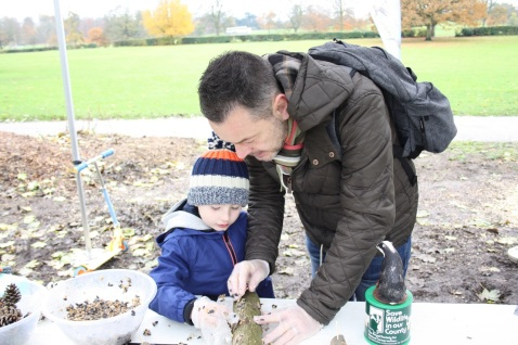 making garden bird feeders