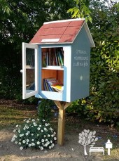 Little-Free-Library-book-exchange